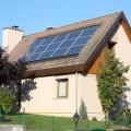 maison avec panneaux photovoltaïques