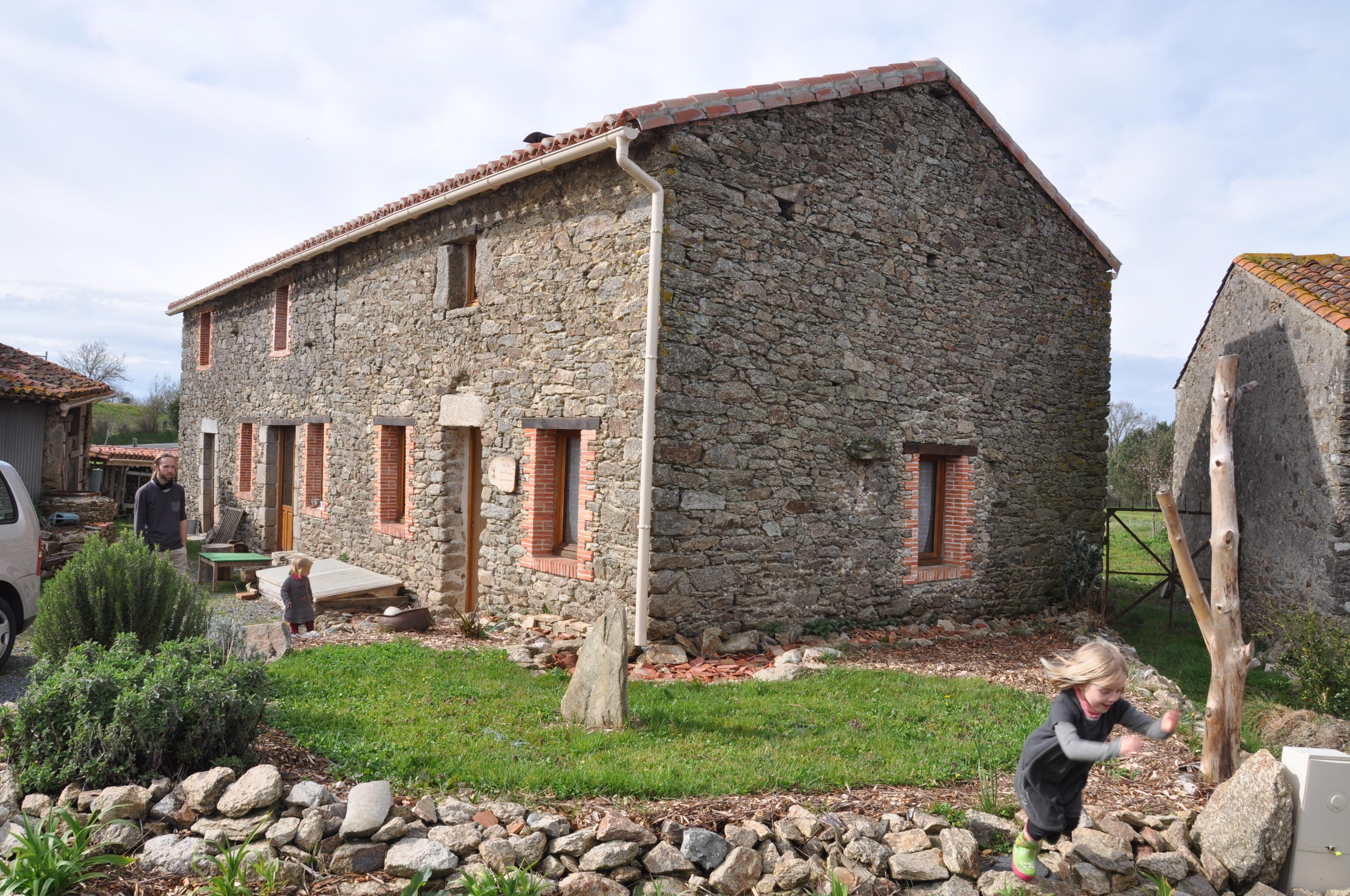 Rénovation d'une maison en pierre en Vendée