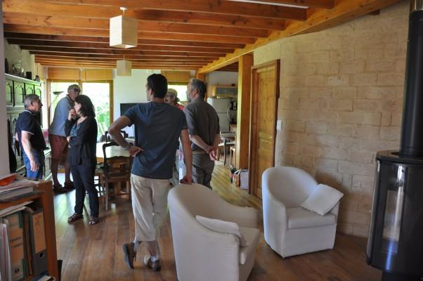 Louis, habitant historique et mémoire vivante de l'écolotissement, a ouvert les portes de sa maison en paille aux lecteurs de La Maison écologique. Photo Gwendal Le Ménahèze