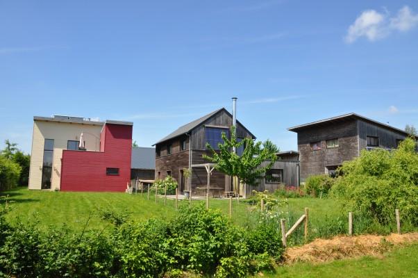 Les lecteurs du magazine La Maison écologique visitent l'écolotissement de Bazouges-sous-Hédé. Photo Gwendal Le Ménahèze