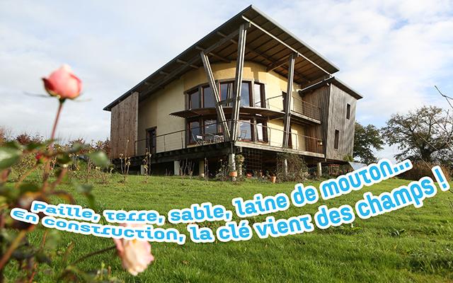 Ecoconstruction d'une maison écologique à Thourie, en Bretagne.