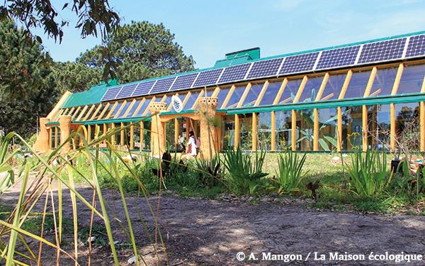 école earthship autonome en Uruguay