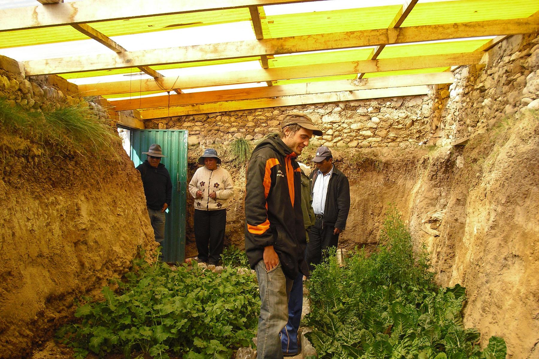 Extérieur : Serre enterrée ou Walipini | La maison écologique